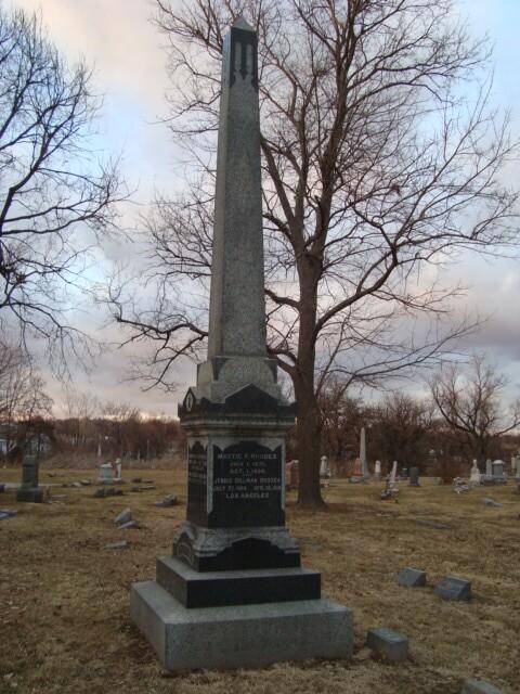 Mattie's Grave.JPG