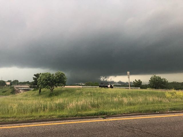 Tornado south of Bonner Springs