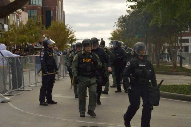 Photos: Many Show Up Before White Nationalist Rally Canceled In Murfreesboro