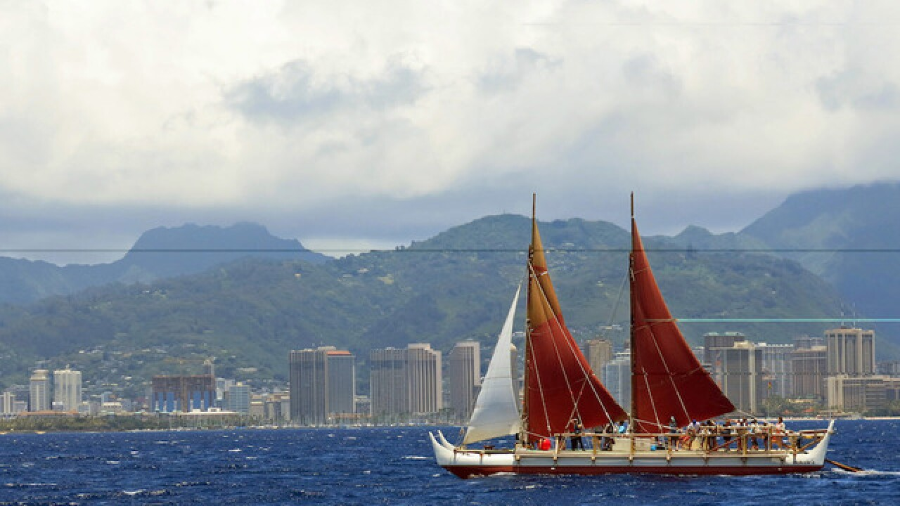 Canoe returns to Hawaii after 3-year trip around world