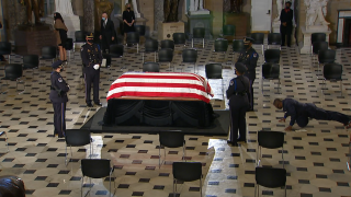 Video: Justice Ginsburg's personal trainer did push-ups at her casket to pay respects