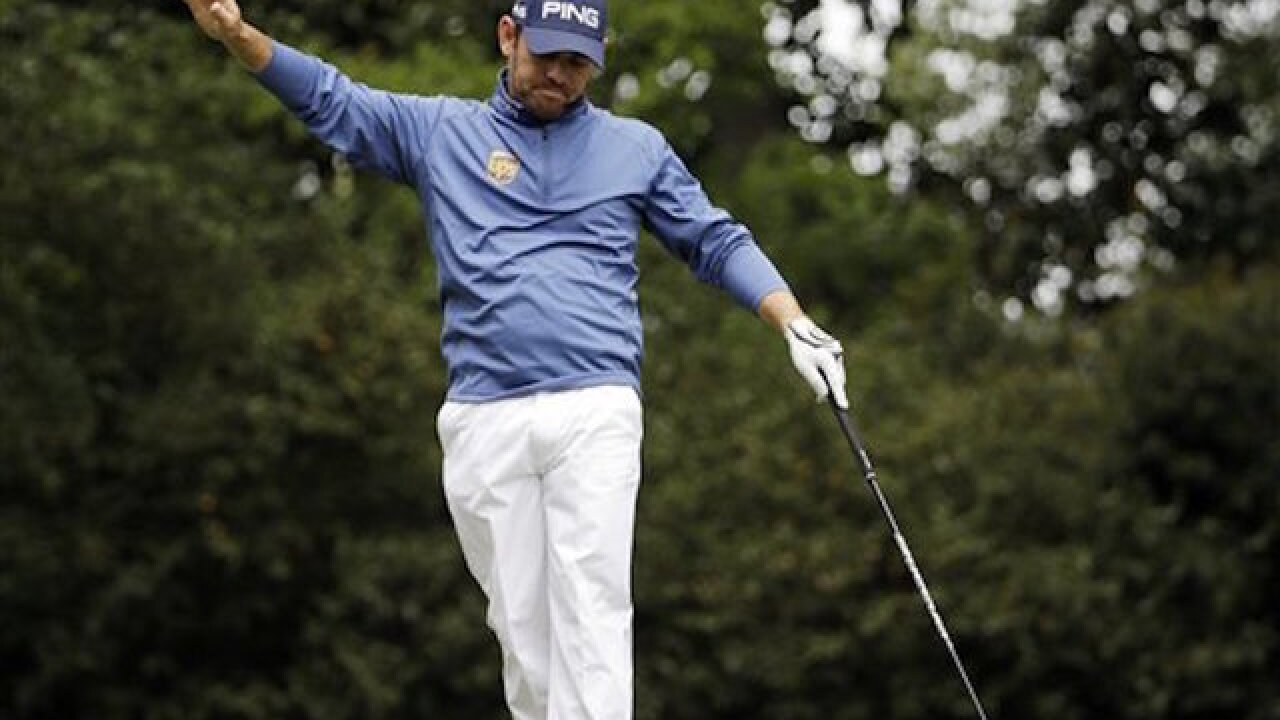 WATCH: Oosthuizen's absurd hole-in-one