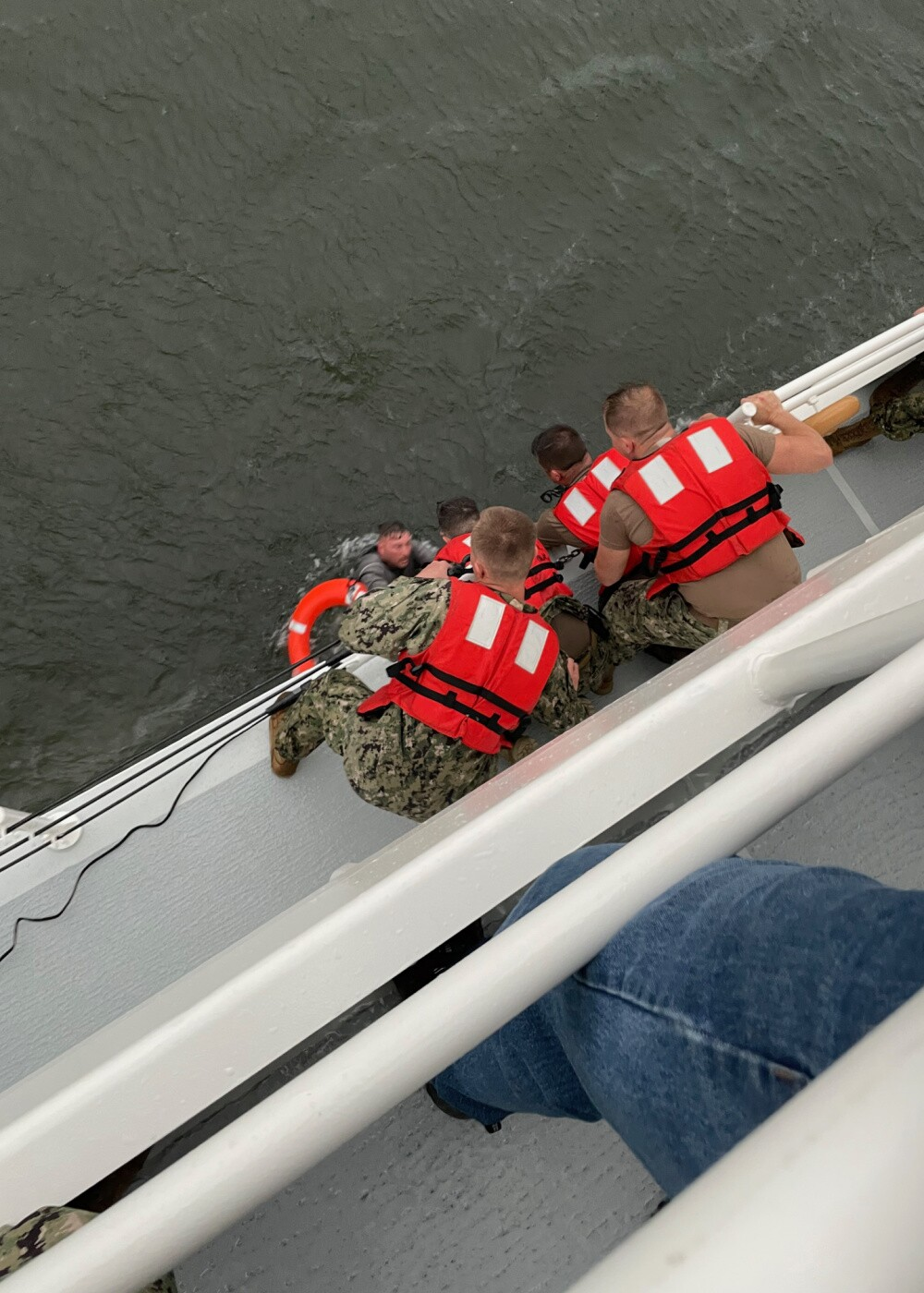 grand isle boat rescue_coast guard2.jpg
