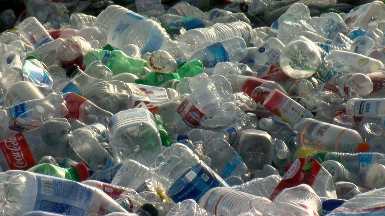A new bill would overhaul California's recycling program for bottles and cans