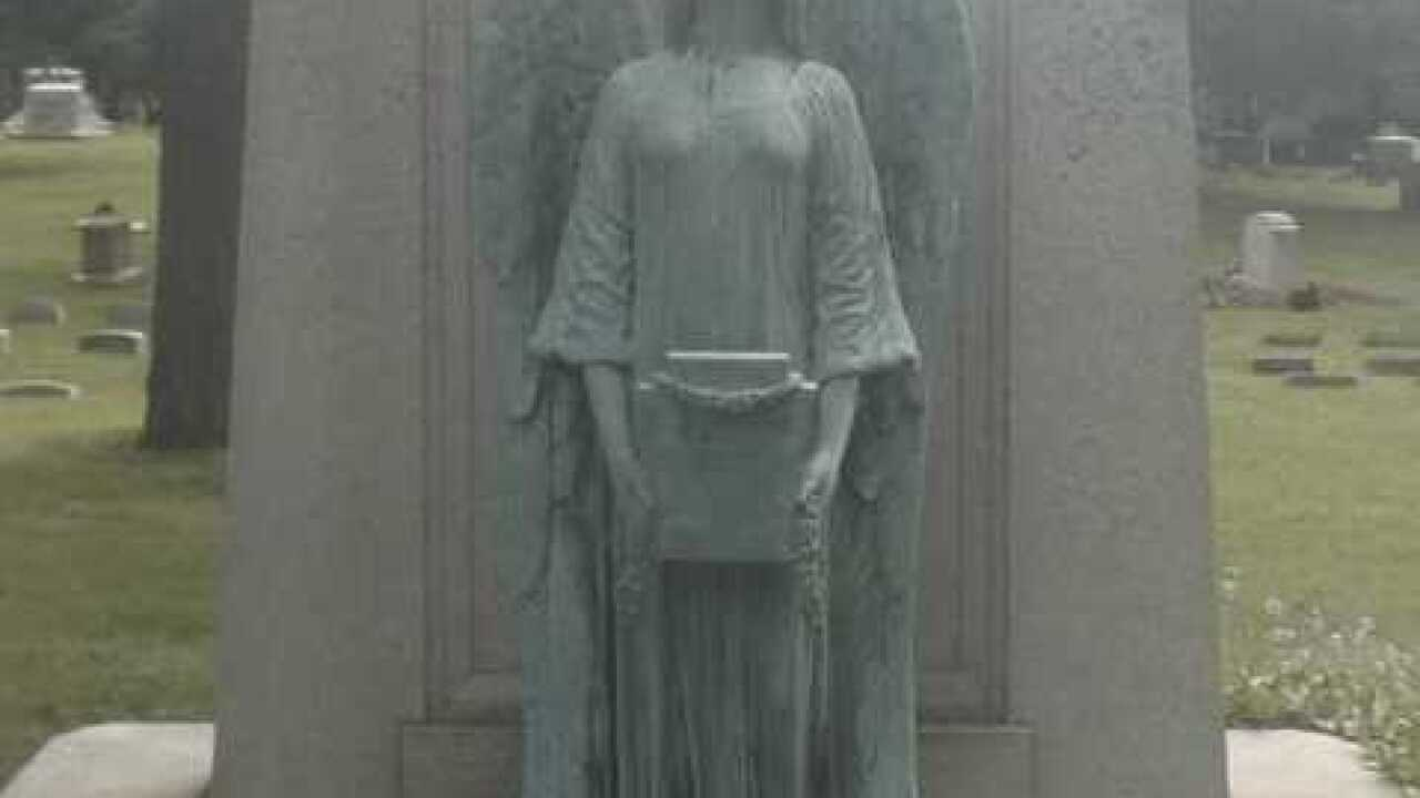 Angel statue stolen from Milwaukee cemetery