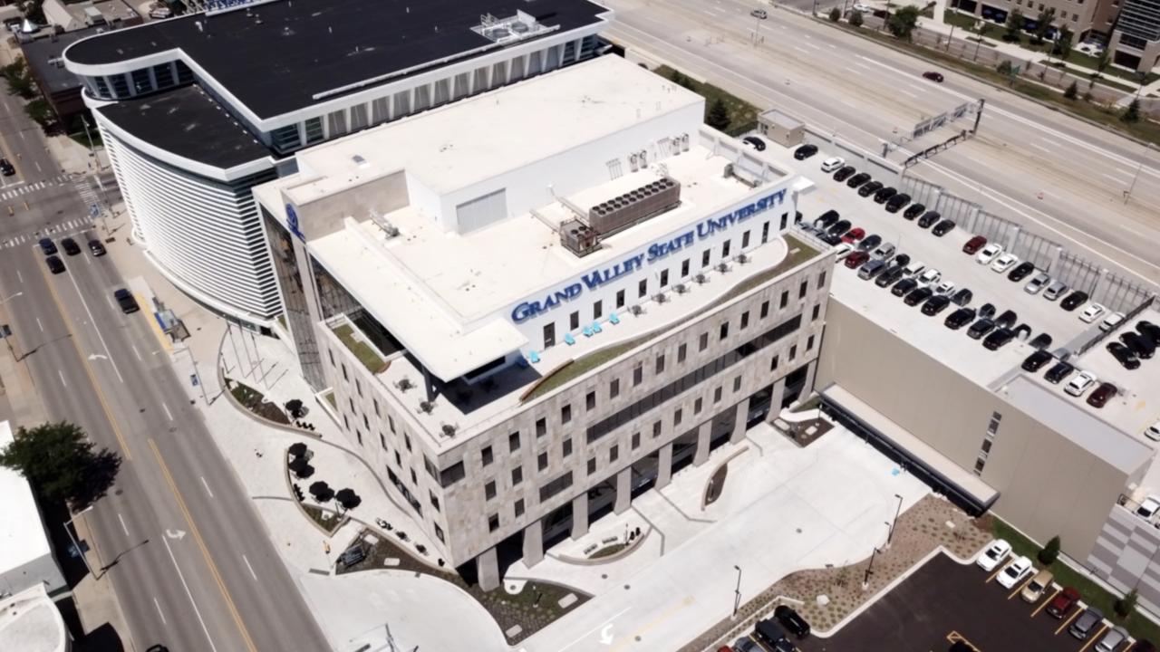 GVSU opens new building on medical mile