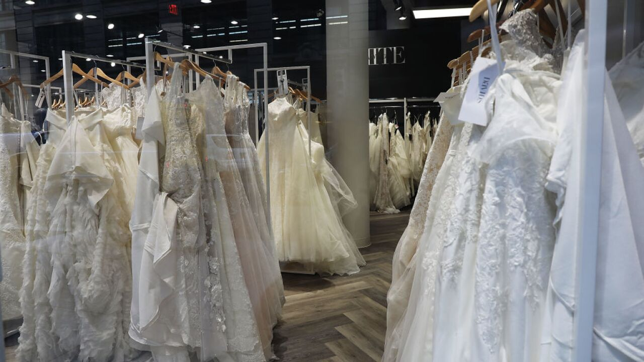 Mom has warning for those seeking discounted bridal gowns online