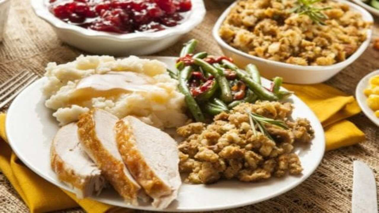 Thanksgiving Feast Candle Smells Like Mashed Potatoes, Stuffing And Cranberry Sauce