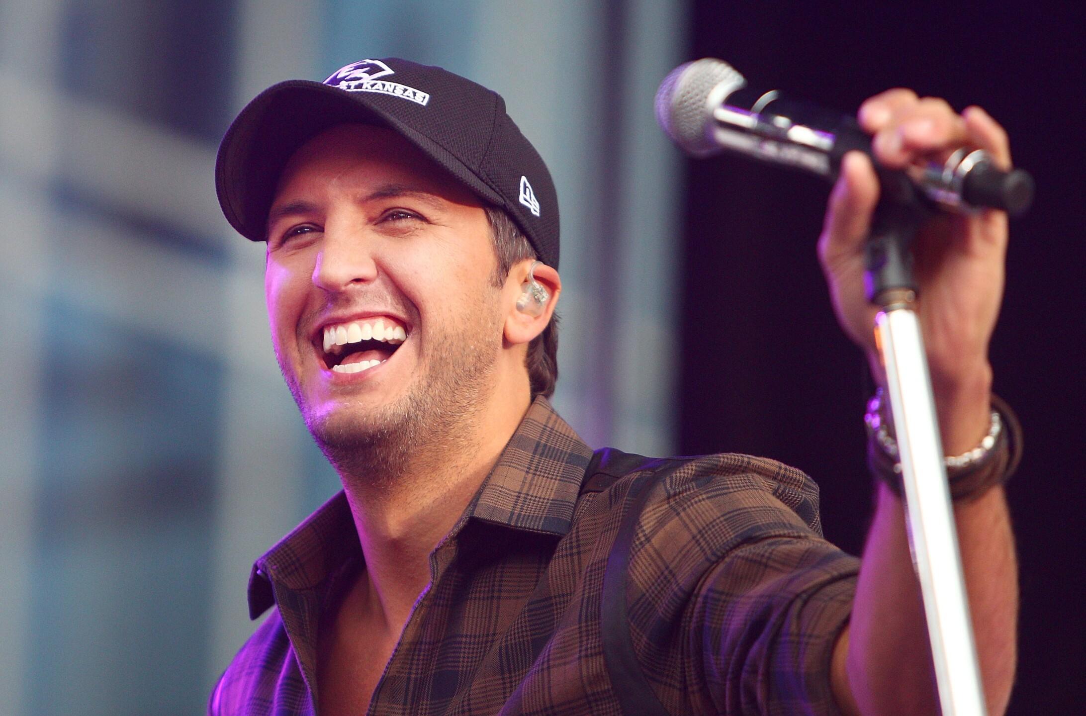 Photos: Luke Bryan is coming to Virginia Beach thissummer!