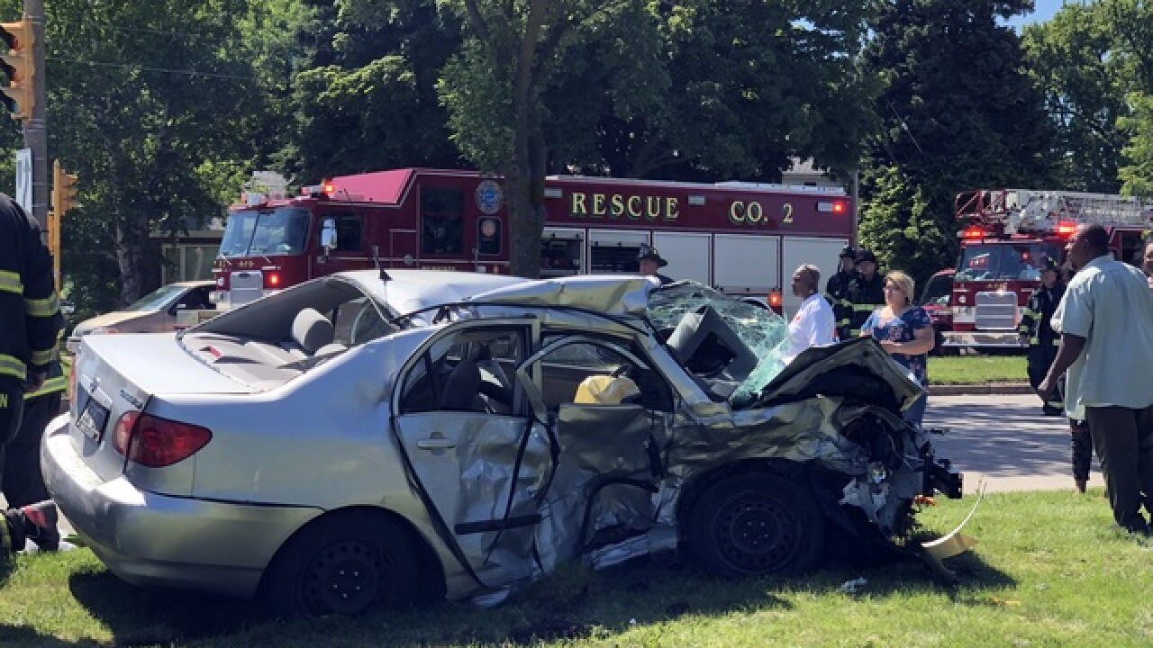 70-year-old woman killed in car crash in MKE