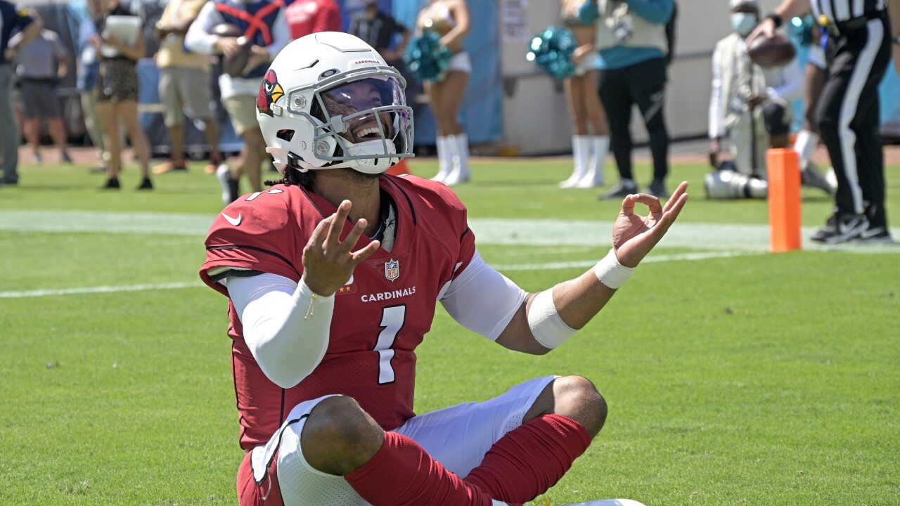 Kyler Murray channels 'Baby Yoda' with touchdown celebration pose