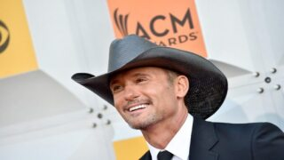 Tim McGraw Will Kick Off A Big Stadium Tour This Summer