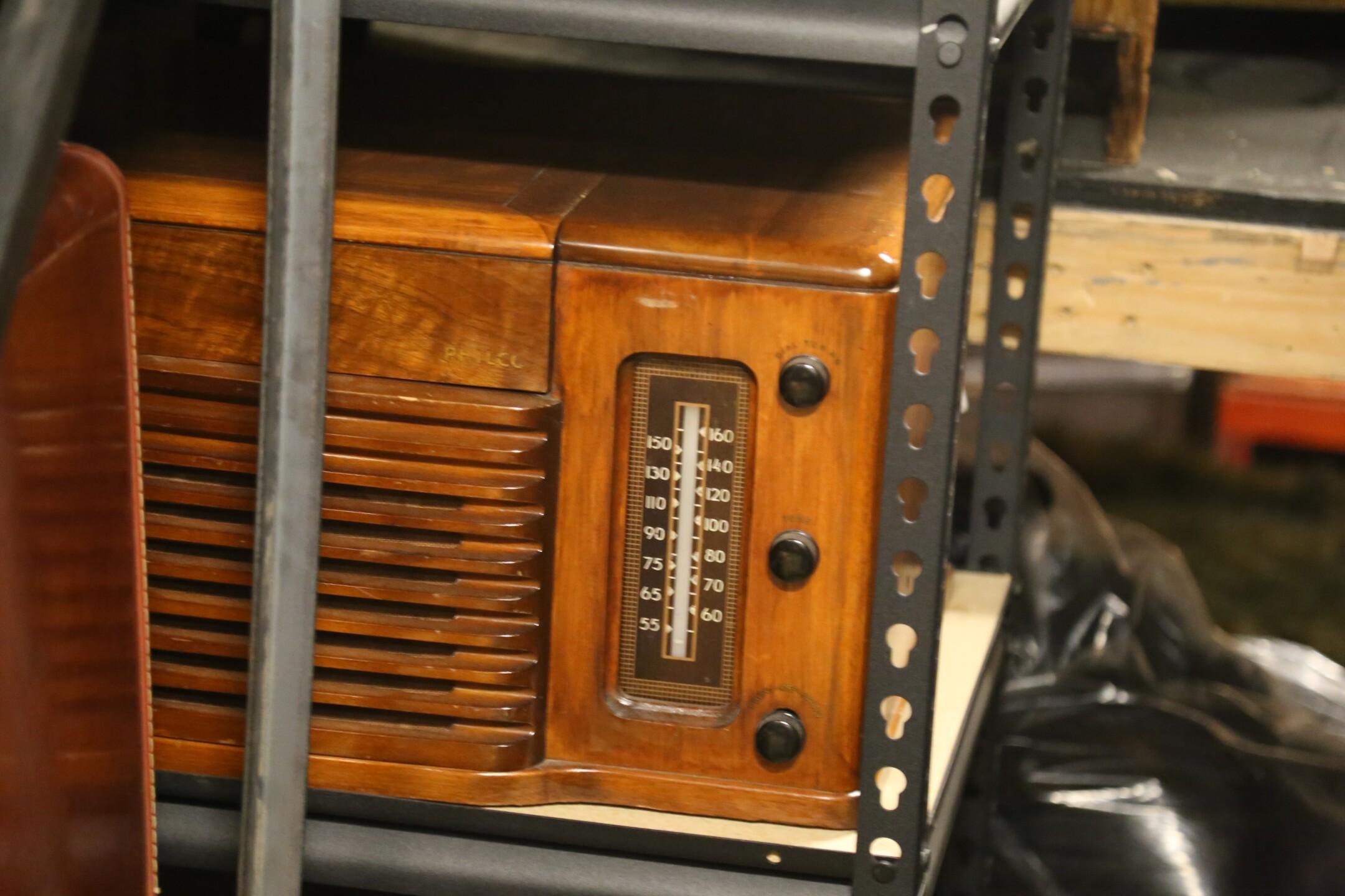 Old time radio.JPG