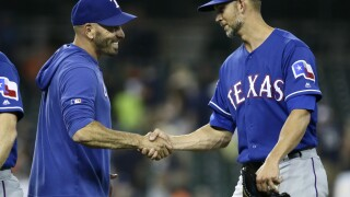 Mike Minor goes the distance as Rangers beat Tigers