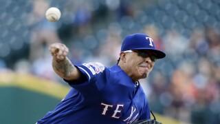 Jesse_Chavez_Texas Rangers v Detroit Tigers