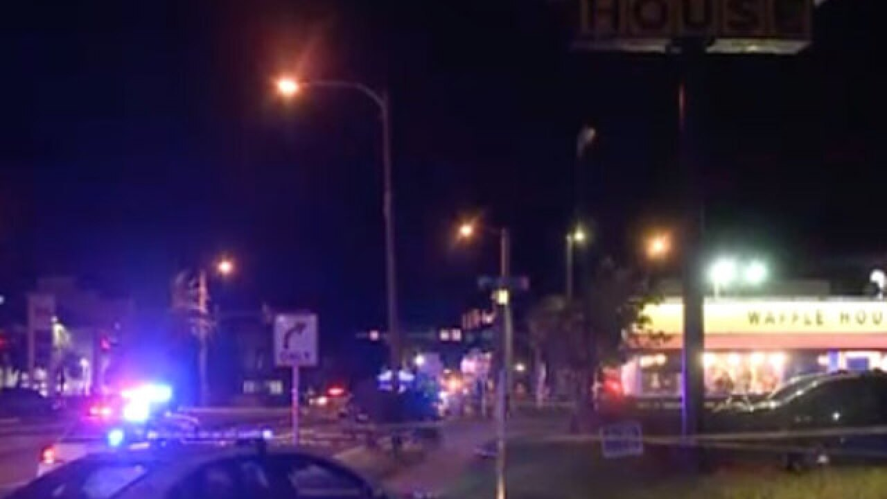 Police officer shot outside of Florida Waffle House