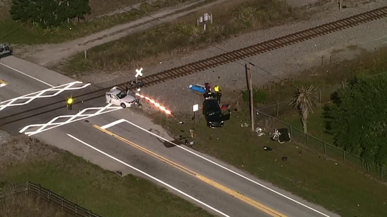 train-car crash in frostproof.jpg