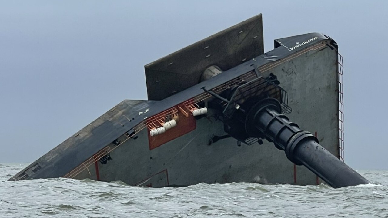 Seacor Capsized 3.jpg