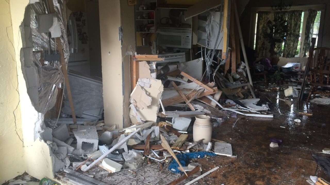 Man drives 70 mph into Valrico home