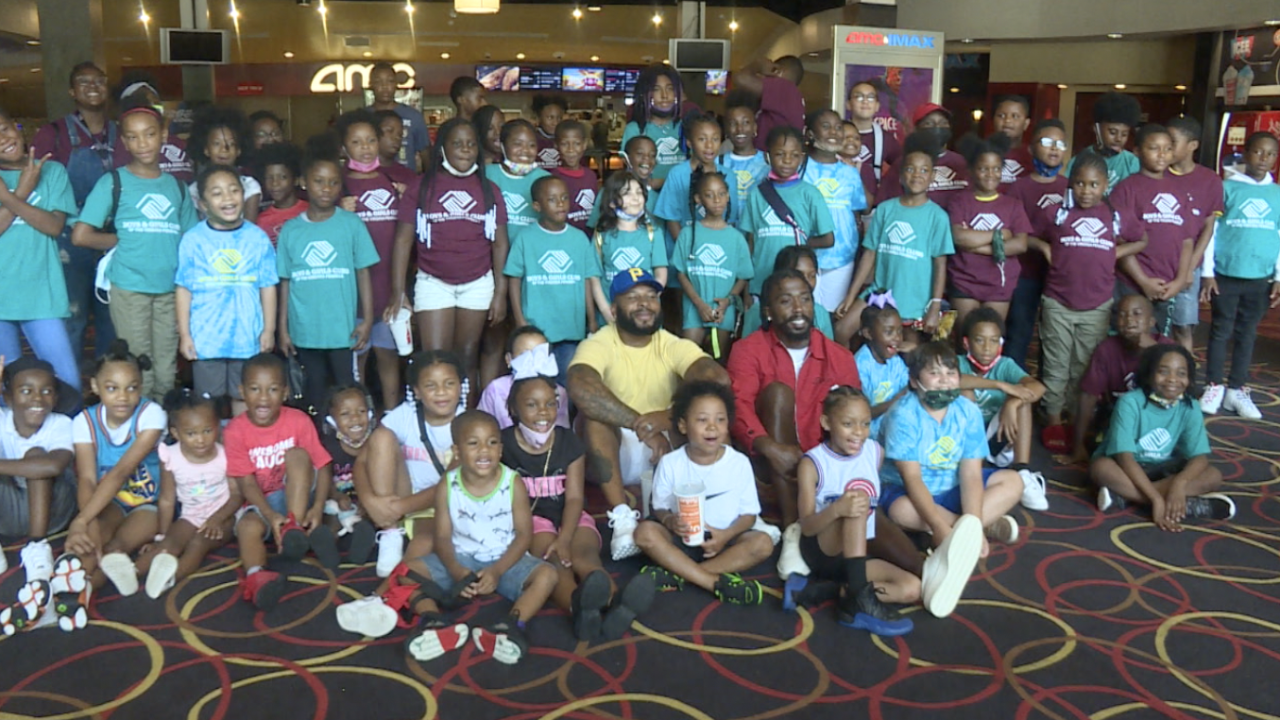NFL's Tyrod Taylor, Antoine Bethea host special screening of Space Jam for local kids.png