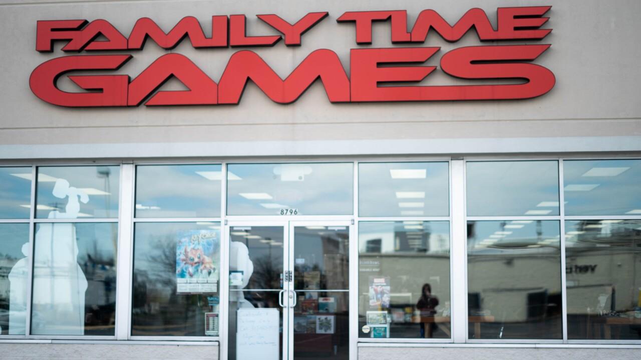 Family Game Time (1 of 6).jpg