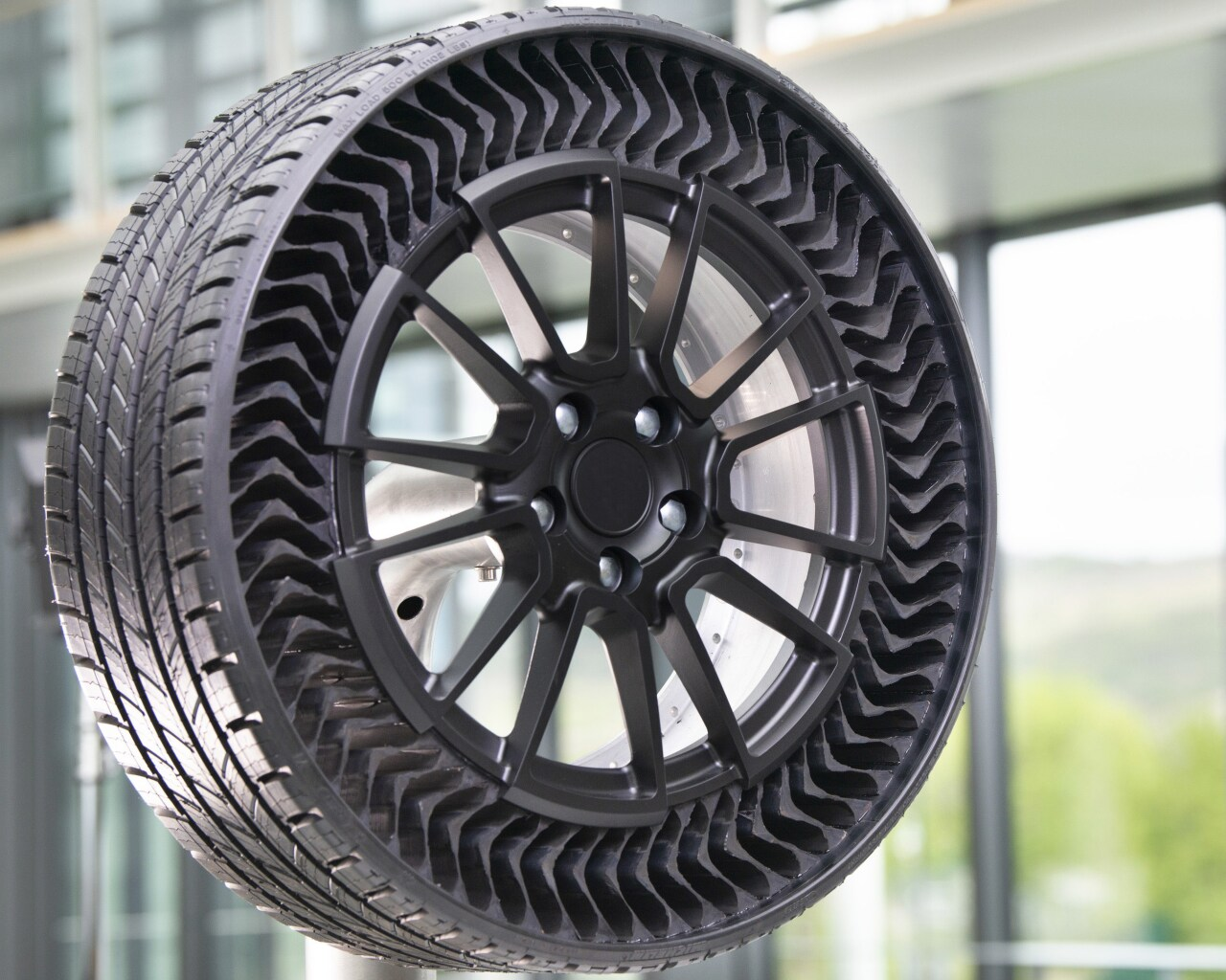 Michelin Uptis airless wheel