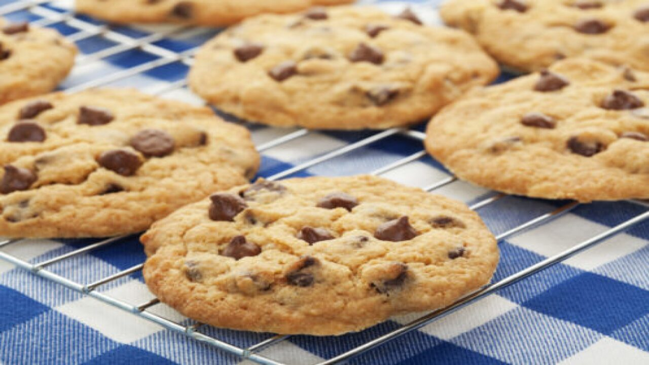 How To Make Chocolate Chip Cookies That Taste Like They Came From A Bakery