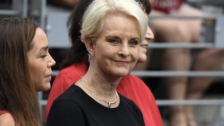 Cindy McCain apologizes after police dispute claims of human trafficking at Phoenix airport