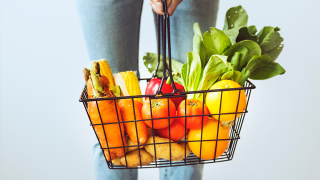 organic-food-pexels-shoping-basket.png