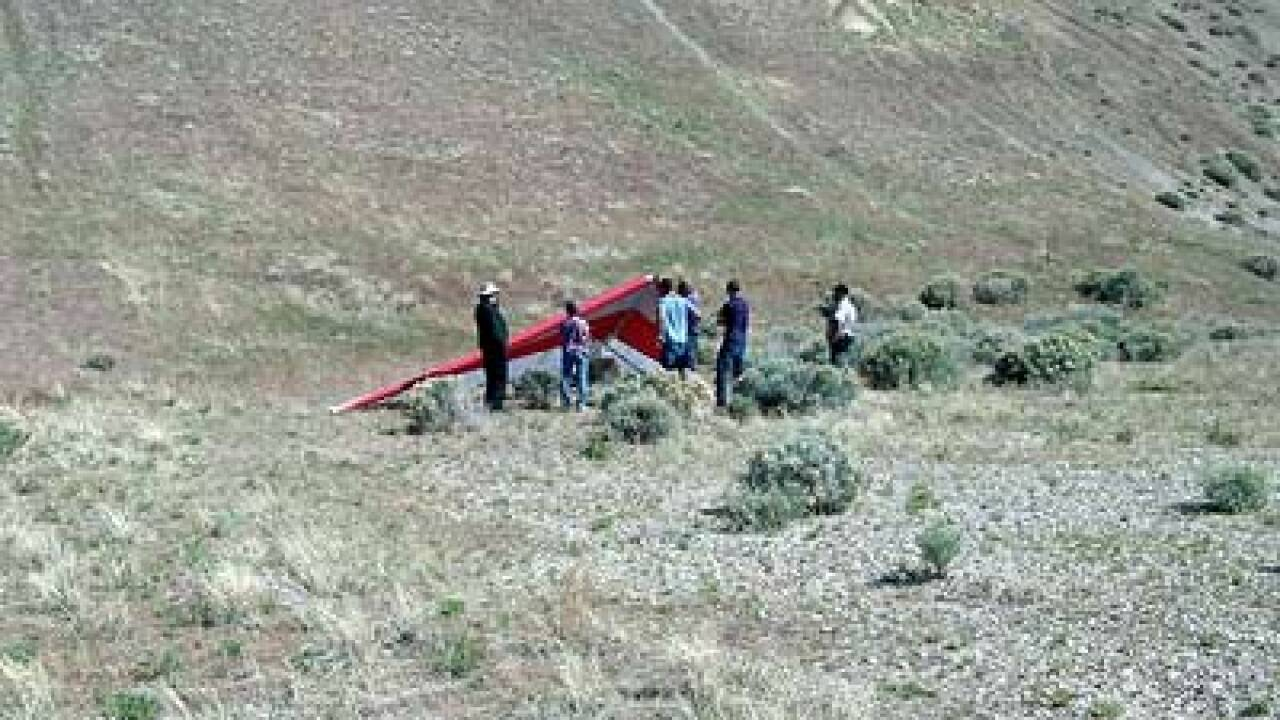 Man injured in hang glider crash near Lehi