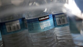 New year resolution: Lose 15 pounds drinking water, dietitian says