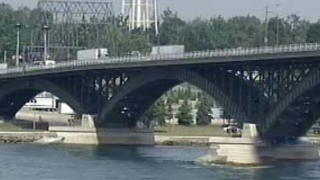 Attempted murder suspect arrested at Peace Bridge