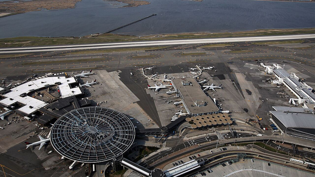A New York man arrested at JFK airport planned to kill US soldiers, authorities say