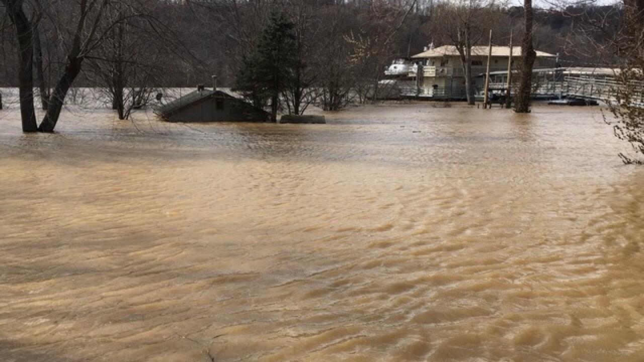 More floodgates go up along Ohio River