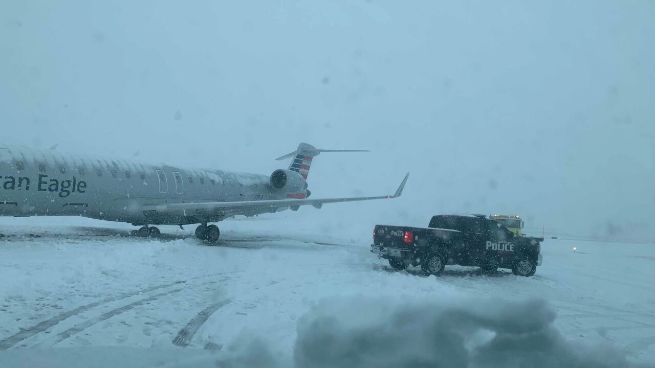Plane slides off runway at Columbia Regional Airport