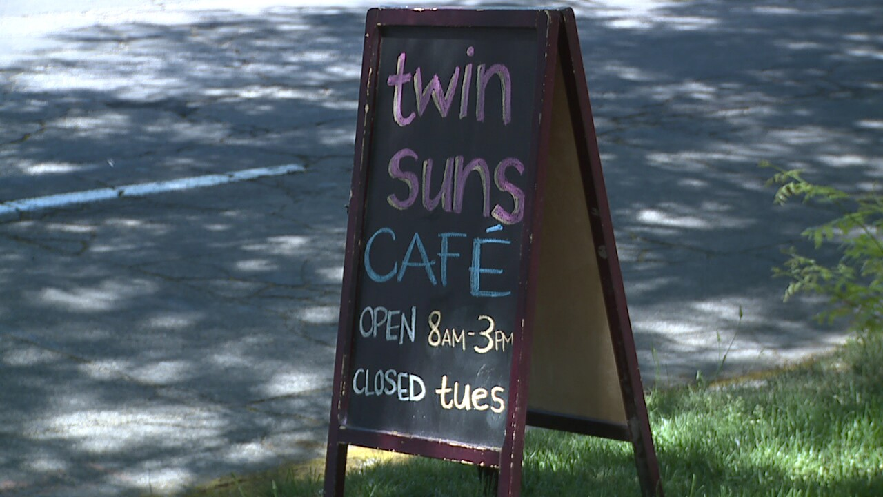 Twin Suns Cafe brings 'Star Wars' themed dining to Salt Lake City