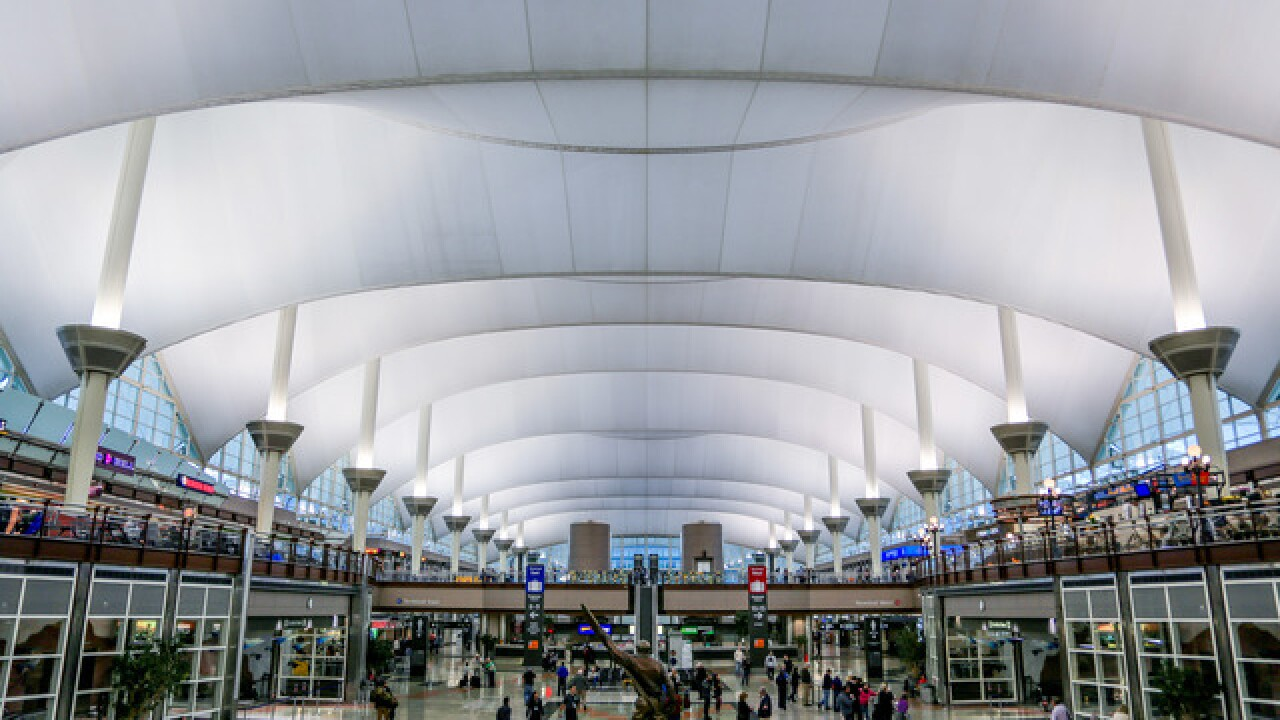 Denver airport settles on $1.8 billion renovation contract