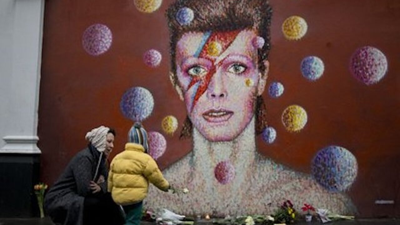 Tributes pour in for iconic singer David Bowie