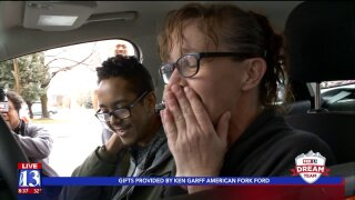 Woman working drive-up window at Springville dry cleaner gets string of life-changingtips