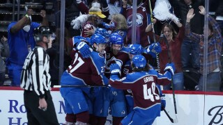 avalanche win crowds ball arena