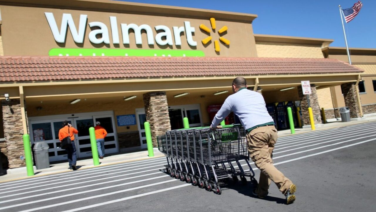 Walmart store managers make $175,000 a year, on average