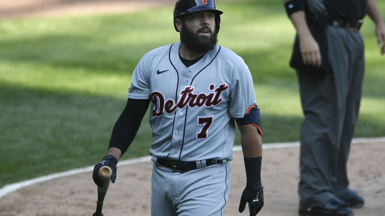 Tigers fall far, far back in playoff picture after woes against White Sox