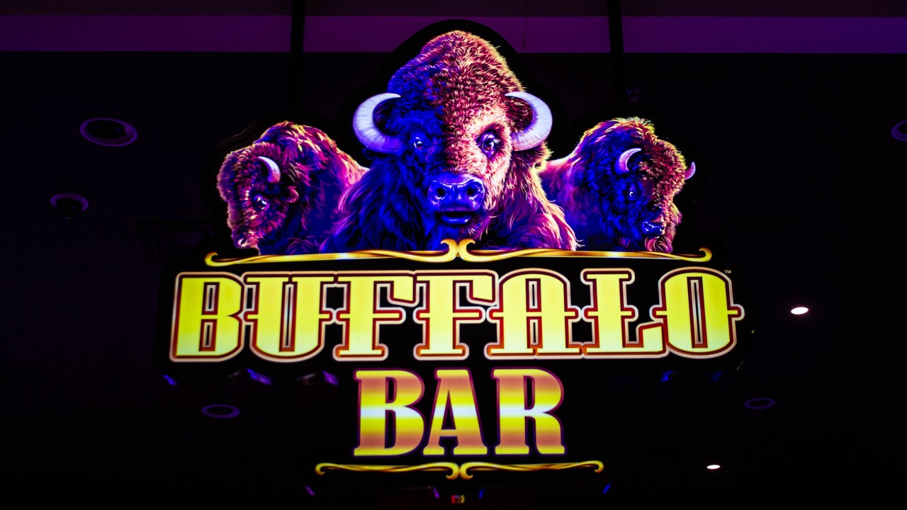 Buffalo-Bar-Hairy-Buffalo-Cocktail-8991.jpg