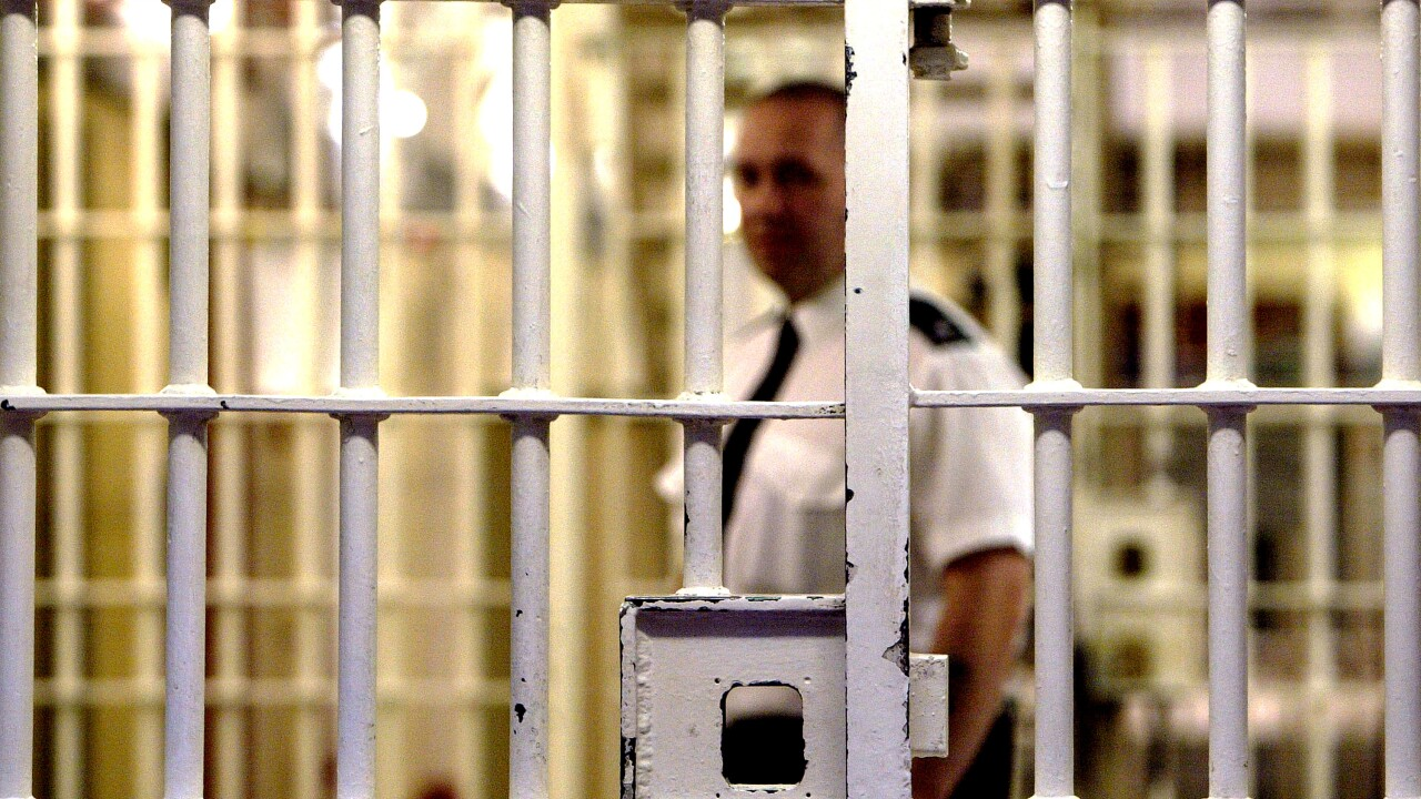 Hundreds of Oklahoma inmates to be released in largest commutation in the nation
