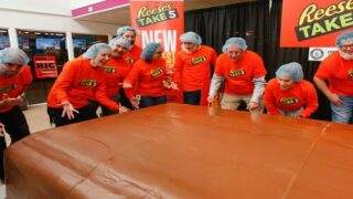 Reese's Just Set A New Guinness World Record With A Massive 6,000-pound Candy Bar