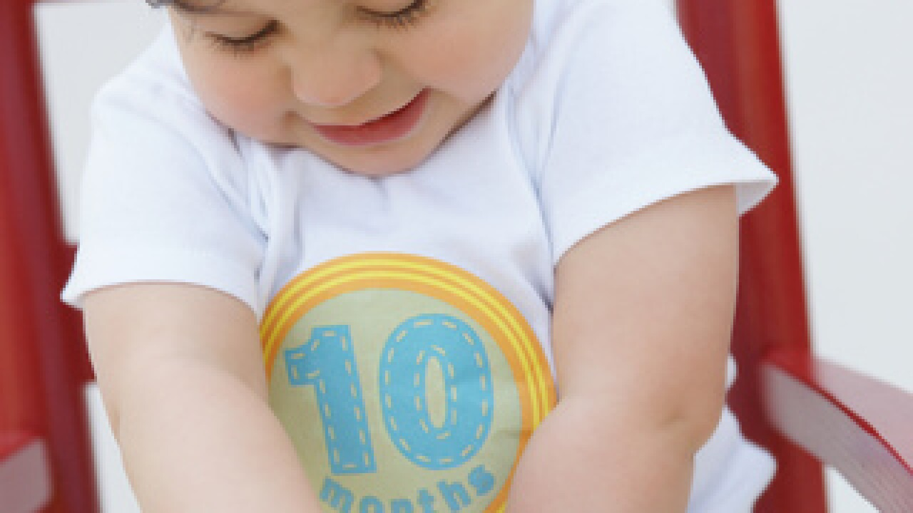 Mom's a Genius: Novi mom designs stickers to help parents mark their child's growth in pictures
