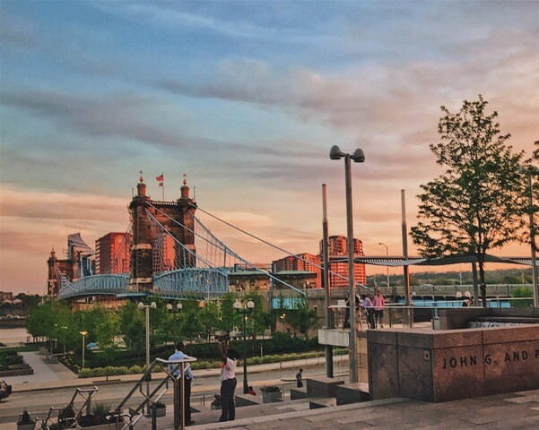 Cincygram: Roebling Suspension Bridge dazzles by day and by night