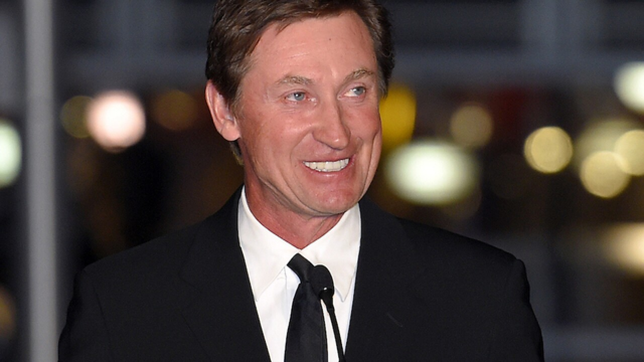 Wayne Gretzky book on hockey history coming this fall