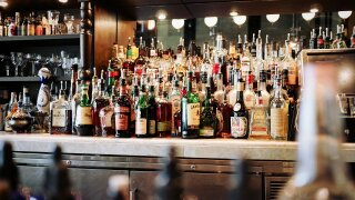alcoholic-beverages-1845295_1280.jpg