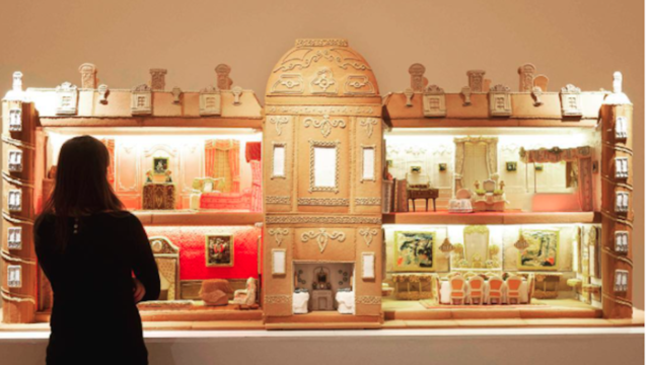 Watch: Giant gingerbread house takes 500 hours to create